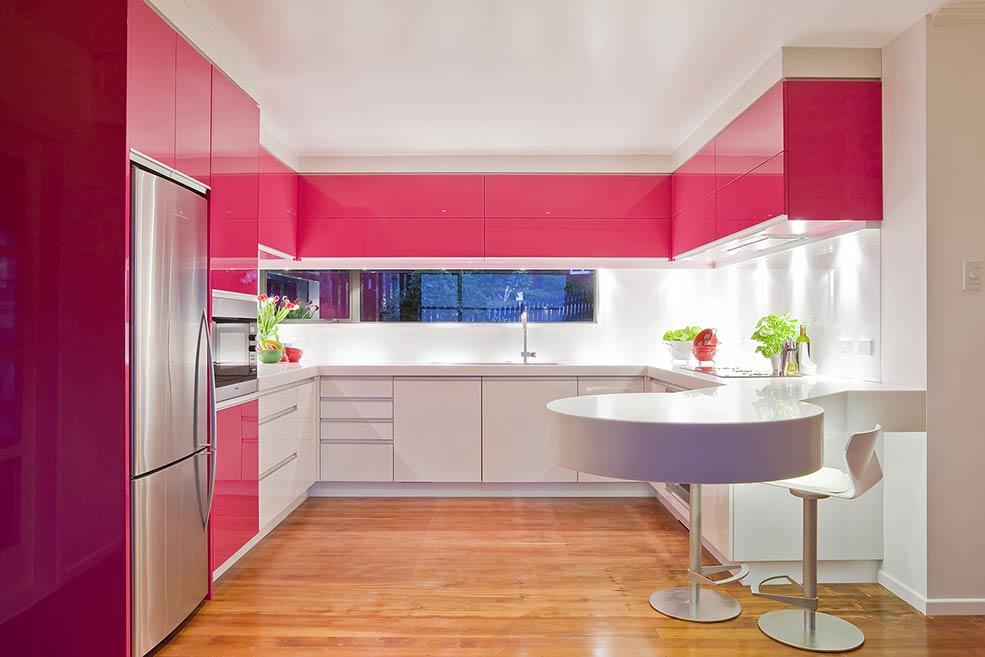 розово-белая-кухня